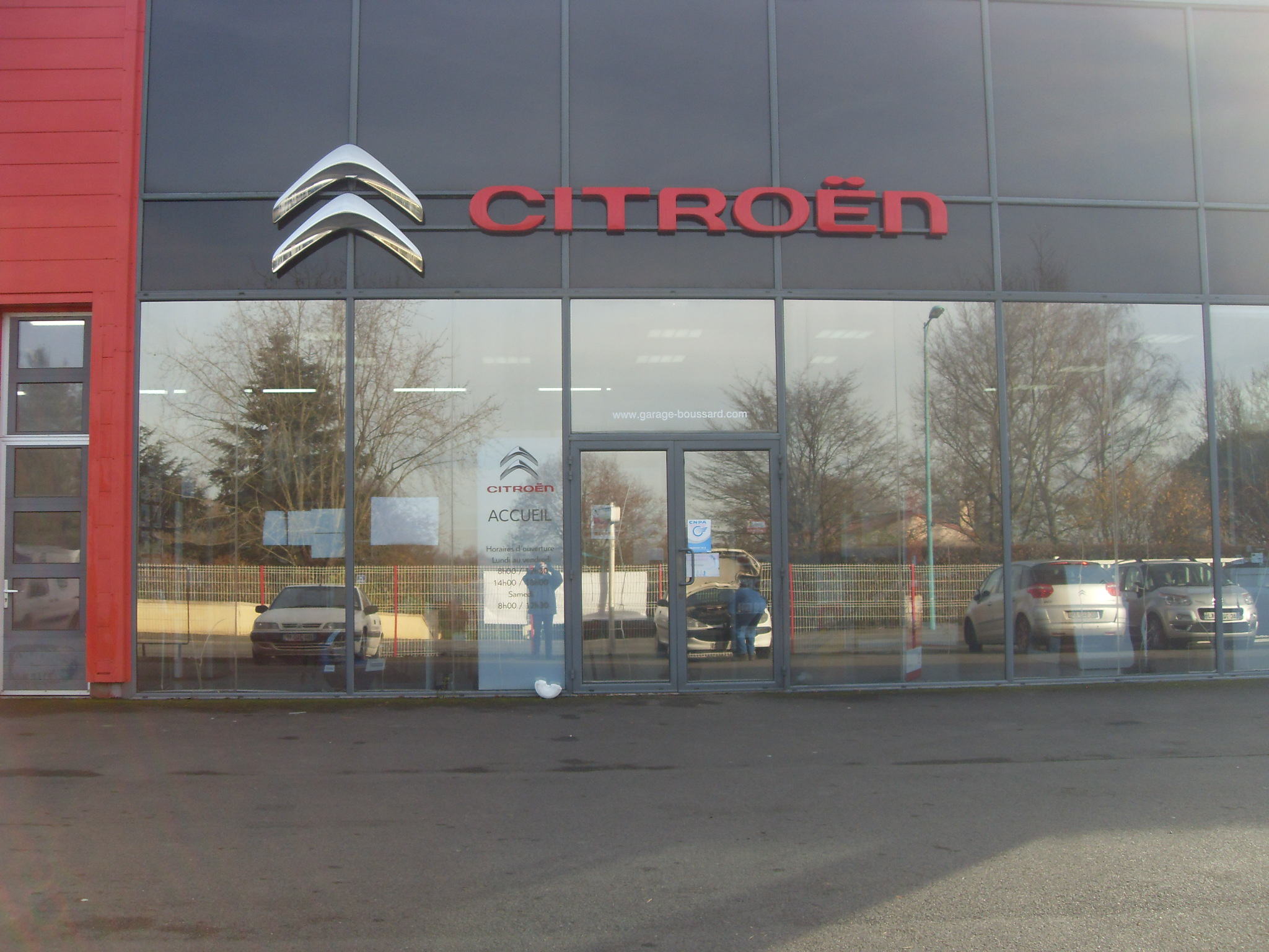 Citroen c4 ii e hdi 115 airdream exclusive 2014 diesel for Garage peugeot la defense